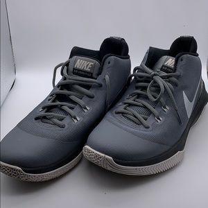 Nike Air Versatile Basketball Shoes! EUC